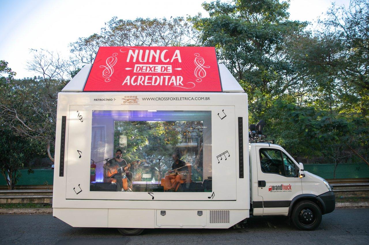 truck-musica-1280x853.jpg