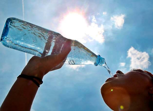bebendo-agua-ilustração.jpg